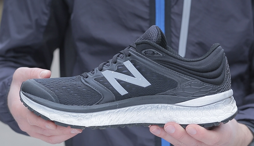 New Balance 1080 V8 sort løbesko test