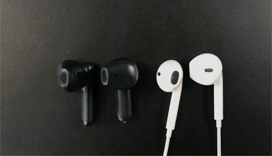 Havit TW916 earbuds vs Apple